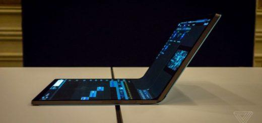 intel pieghevole laptop display
