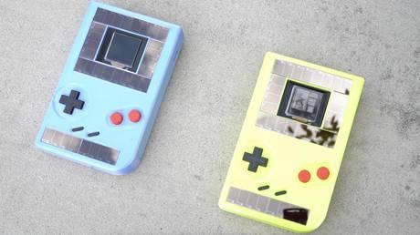 game boy ecocompatibile senza batterie